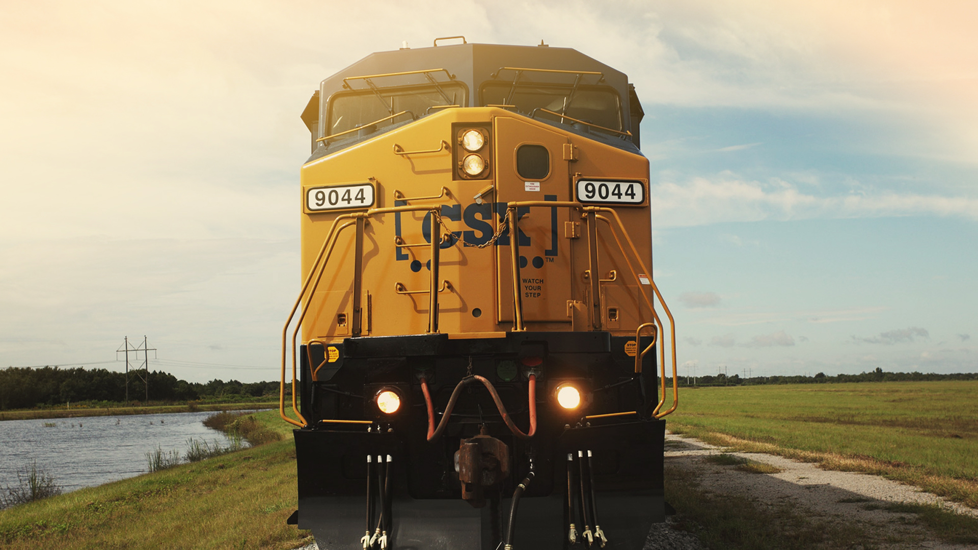 CSX: Corporate Communications App
